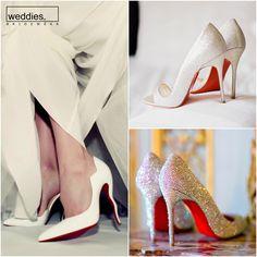 Gelin ayakkabılarından bahsederken ikonik kırmızı tabanlı Christian Louboutin modellerinden de bahsetmeden geçemezdik. Dişiliğin sembolü bu ayakkabılar kendine güvenen gelinlerinlerin favorisi 💎 It's not possible not to mention the iconic Christian Louboutin shoes when talking about bridal shoes since they are always the first choice of the elegant, confident bride to be's 💎 Christian Louboutin, Louboutin Pumps, Heels, Fashion, Heel, Moda, Fashion Styles, High Heel, Fashion Illustrations
