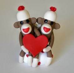 AAAAH! CAN'T STAND IT...NEED THIS ...... if it could be made as cake topper, AND ornament could serve dual purpose!