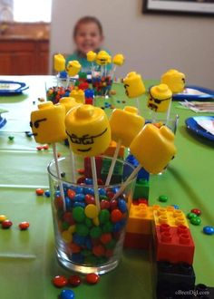 Lego Party Food Ideas for kids and Lego decorations for the table centerpiece. Lego Head Marshmallow Pops