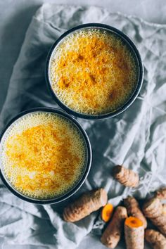 Golden turmeric drink to cure your insomnia #vegan | TheAwesomeGreen.com