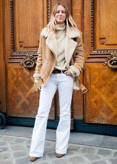 calça flare branca
