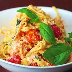 Wie wär's mit Lachs-Pasta mit Ricotta als Abendessen?
