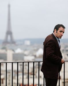 wow, what a view... oh, is that Jean Dujardin?