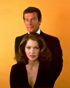 James Bond & Dr Holly Goodhead - Roger Moore & Lois Chiles - James Bond 007 - Moonraker 1979