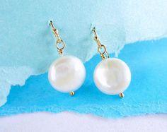 Parel oorbellen, Freshwater pearl oorbellen, munt parels, bruidsmeisje cadeau, huwelijksjuwelen, bruids earrings, Pearl dangle oorbellen, otis b