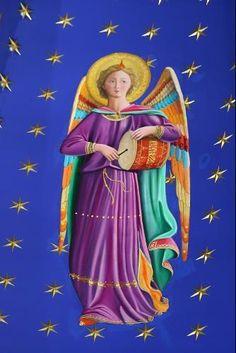 Tal es la importancia de los ángeles custodios que en 1608 el Papa Pablo V instituyó la fiesta de los Santos Ángeles de la Guarda, con vistas especialmente a ...