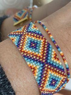 Bracelet Chakra | Etsy 7 Chakras, Chakra Bracelet, Pearl Bracelet, Blue And Green, Loom Patterns, Crafty Craft, Loom Beading, Plexus Products, Bracelet Making