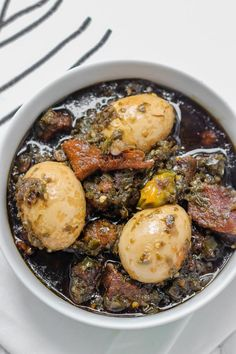 Ayamase also called designer stew is the 'fraternal twin' of the ofada stew. You can use a variety of green peppers and chillies to make ayamase Nigerian Soup Recipe, Nigerian Food, Easy Dinner Recipes, Easy Meals, Easy Recipes, Caribbean Recipes, Caribbean Food, Cooking Recipes, Healthy Recipes