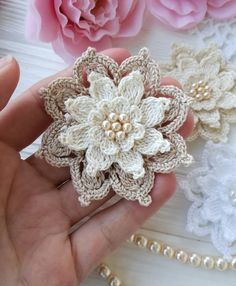 53 Crochet Flower Patterns And What To Do With Them Easy crochet flowers; crochet flowers for hats Per voi una carrellata dei pun How to Crochet a Puff Flower - Crochet Ideas It is a very rewarding way to expand to your crochet skills! Appliques Au Crochet, Crochet Motifs, Crochet Doilies, Crochet Stitches, Crochet Diagram, Crochet Puff Flower, Crochet Flower Patterns, Flower Applique, Crochet Flowers