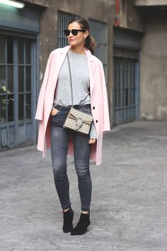 Get in the mood for spring by wearing pastel colours such as this lovely shade of blush pink worn on a overcoat bySilvia Garcia. Paired with jeans and ankle boots, this look is trendy and casual; perfect for an every day spring look.Coat/Jeans: Zara, Sweater: Blanco, Boots: Senso.