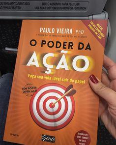 Aproveitando o vôo de volta pra Brasília para fazer o dever de casa que minha coach passou!  Leitura enriquecedora!  #coaching #dicadodia #dicadelivro #opoderdaacao #meta #objetivo #poder #reflexao #bomdia