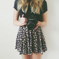 Black Tee ~ Floral Skater Skirt ~ Teen Fashion ~ Tumblr Fashion ~ Spring Outfit