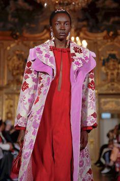 Vivetta Ready To Wear Fall Winter 2019 Milan Live Fashion, Fashion Show, Vivetta, Runway Fashion, Womens Fashion, Purple Fashion, Milan, Ready To Wear, Fashion Inspiration