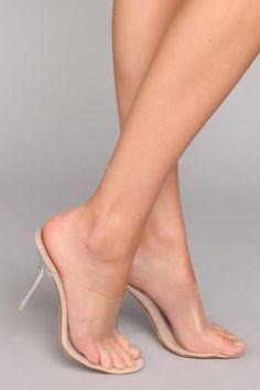 Women High Heels Gold Court Shoes Pretty Closed Toe Sandals Flat Sandals For Women Women High Heels High Heels For Kids, Hot High Heels, Womens High Heels, Sexy Legs And Heels, Dress And Heels, Gold Court Shoes, Court Heels, Nude Sandals, Flat Sandals