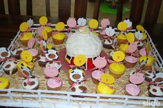 Cute farm animal themed birthday cake!