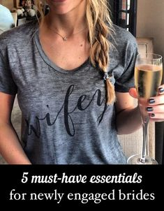 Just got engaged? You'll want to know about these awesome essentials that'll help you celebrate this special time! | http://www.weddingpartyapp.com/blog/2014/10/01/5-unique-must-have-essentials-for-the-newly-engaged-bride/