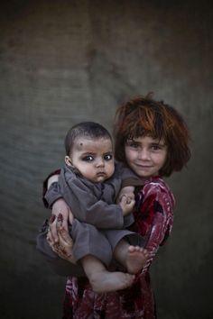 Des enfants réfugiés afghans dans loeil de Muhammed Muheisen Photo