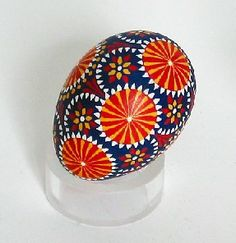 An egg decorated in the Sorbian manner, using a trimmed goose quill to apply wax.  (This is NOT a Polish pisanka.)
