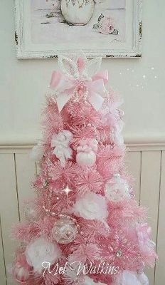 Pretty in Pink Victorian Christmas Tree...