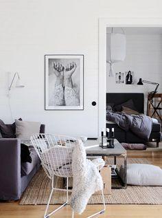 Living room bedroom via STIL Inspiration Scandinavian Interior Design, Home Interior Design, Interior Architecture, Interior Decorating, Scandinavian Living, Living Room Inspiration, Interior Design Inspiration, Gravity Home, Piece A Vivre