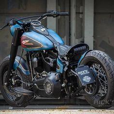 Harley Bobber, Harley Davidson Chopper, Harley Davidson Motorcycles, Bobber Bikes, Cool Motorcycles, Indian Motorcycles, Custom Harleys, Custom Bikes, Beach Cars