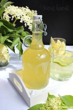 Bodzaszörp házilag Healthy Fruits, Healthy Sweets, Healthy Drinks, Healthy Recipes, Jam Recipes, Cooking Recipes, B Recipe, Hungarian Recipes, Fruit Drinks