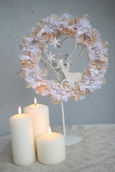 Shabby Christmas Wreath (think it could be perfectly used not only for Christmas)