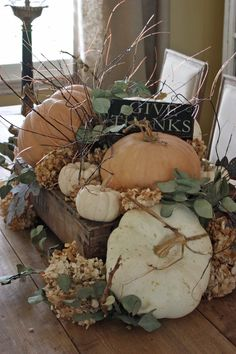 Warm and Welcoming Fall Table Decorating Ideas Warm and Welcoming Fall Table Decorating Ideas The post Warm and Welcoming Fall Table Decorating Ideas & Domácí dekorace appeared first on Fall decor ideas . Fall Arrangements, Autumn Decorating, Pumpkin Decorating, Interior Decorating, Deco Floral, Thanksgiving Decorations, Fall Table Decorations, Fall Table Centerpieces, Thanksgiving Tablescapes