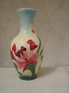 Old Tupton Ware English Garden mini vase by marknjoemporium on Etsy There are also some things to co