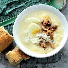 Recept - Pastinaaksoep met kastanjechampignons - Allerhande. Heerlijk! Real Food Recipes, Soup Recipes, Vegetarian Recipes, Healthy Recipes, Feel Good Food, I Love Food, Happy Foods, Homemade Soup, Soup And Sandwich