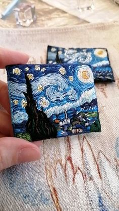 The Starry Night Cat Brooch Vincent van Gogh Impressionism Hand Embroidery Videos, Embroidery Art, Hand Embroidery Patterns, Embroidery Techniques, Embroidery Stitches, Machine Embroidery, Embroidery Designs, Sewing Art, Sewing Crafts