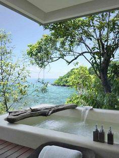 meuble salle de bain bois exotique pas cher. salle de bain exotique avec vue