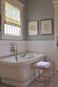 Breathtaking 143 Amazing Modern Farmhouse Bathroom Decorating Ideas http://homiku.com/index.php/2018/03/05/143-amazing-modern-farmhouse-bathroom-decorating-ideas/