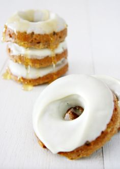 The original and best donut dog treats recipe. Free tutorial includes instructions, photos and how-to make the perfect doggie donut!