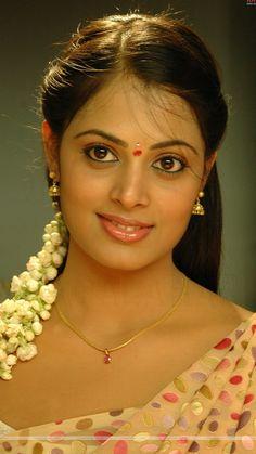 Malayalam Actress Sindhu Menon Tight Show Beautiful Girl Indian, Beautiful Indian Actress, Beautiful Women, Beautiful Hijab, Beautiful Eyes, Girls Phone Numbers, Look 2018, Tamil Girls, Malayalam Actress