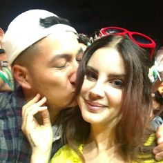 A lucky fan kissing Lana Del Rey