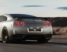 """Check out new work on my @Behance portfolio: """"Nissan GT-R (nurbs) & full 3D environment"""" http://be.net/gallery/36218413/Nissan-GT-R-(nurbs)-full-3D-environment"""