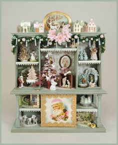 Victorian Shabby Chic Christmas Display [oc-css] : Cynthia Howe Miniatures!, Your premier source for Dollhouse Miniatures, Miniature Classes, Miniature Dolls and Molds, Kits and Free Tutorials.