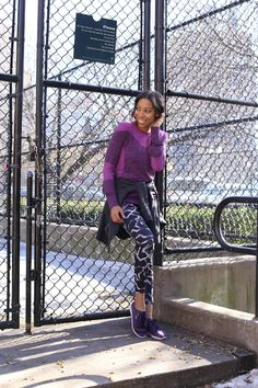@girlsoffffith gets moving in a bright purple sports top and black & white printed leggings by H&M Sportswear. | H&M OOTD