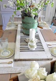 Love this tablescape. Especially the shutter for a table runner! 36 Fascinating DIY Shabby Chic Home Decor Ideas Shabby Chic Homes, Shabby Chic Decor, Shutter Table, Shutter Decor, Shutter Shelf, Shutter Island, Shutter Projects, Diy Projects, Casas Shabby Chic