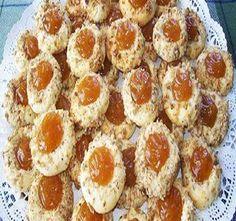 Huszárcsók - gyermekkorom egyik kedvenc csemegéje! - BlikkRúzs Sweet Cookies, Hungarian Recipes, Baking And Pastry, Sweet Tooth, Bakery, Muffin, Good Food, Dinner Recipes, Food And Drink