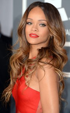Rihanna's Ombre brown to caramel blonde hair, 2013 grammys, Love her<3