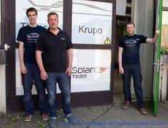 Hinter dieser Tür verbirgt sich das diesjährige Solar-Car der Hochschule Bochum. Wir dürfen das Fahrzeug noch nicht zeigen, können aber schon soviel verraten: Es sieht toll aus!  So wie der Name vermuten lässt: ThyssenKrupp SunRiser. http://www.hochschule-bochum.de/solarcar #solarcar #wagener #brakequip #ThyssenKruppSunRiser