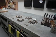 Project woning in loods - keuken beton in het werk gemaakt | by GVBarchitecten i.c.m. The Living KItchen B.V. by Paul van de Kooi
