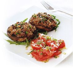 Baked quinoa-stuffed mushrooms & salad from The Food Doctor Good Healthy Recipes, Low Calorie Recipes, Diet Recipes, Healthy Food, Baked Mushrooms, Stuffed Mushrooms, Food Doctor, Low Gi Foods, Mushroom Salad