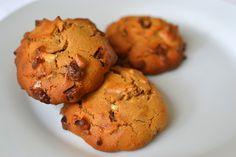 Cookies de avelã e chocolate