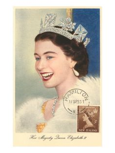 Queen Elizabeth II- love this pic of her! June 3013 - Queen and royal family attend service of celebration to mark 60 years since Queen Elizabeth II was crowned Lady Diana, Corona Real, Young Queen Elizabeth, Princess Elizabeth, Queen Elizabeth Jewels, Princess Margaret, Estilo Real, Royal Tiaras, Royal Crowns