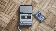 Learn English and watch the beautiful BAFTA-nominated short film by Luke Snellin: Mixtape. If you used to listen to music on cassette tapes and vinyl, I'm sure you'll feel nostalgic. School Portraits, Tape Recorder, Short Film, Kids Playing, Physics, It Cast, Audio, Songs, Digital