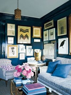 If you are looking for great interior design ideas, see how Nate Berkus and Anne Coyle transformed a home in Chicago. Nate Berkus, Best Interior, Interior Design, Interior Office, Room Interior, Modern Interior, Navy Walls, Interior Color Schemes, Blue Rooms