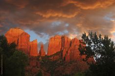 Cathedral Rock in Sedona, Arizona is arguably the best-known Sedona red rock landmark. Not only is it a popular place for photography in Sedona, it's also one of the most photographed sites in all of Arizona. Oak Creek runs alongside where it reflects a mirror image of the rock, depending ...